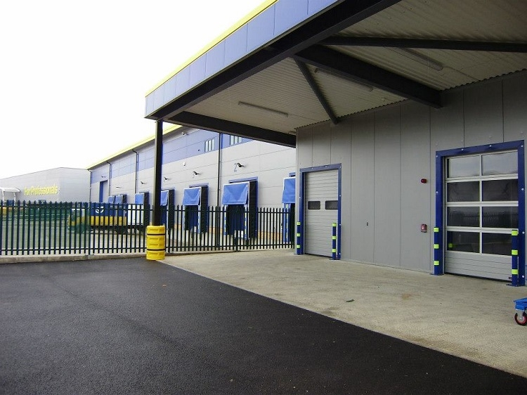 Secure Doors and Fencing for Warehouse